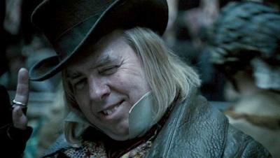 """Il Messo Bamford, personaggio del film """"Sweeney Todd"""". Non siate come lui, per favore."""