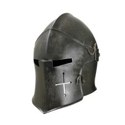 Armi medievali e fantasy: elmo e scudo.