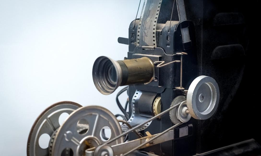 Copia di film-1365334_1920.jpg