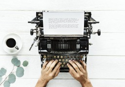 Parlando di scrittura: Lezioni di letteratura, di Julio Cortázar – Recensione
