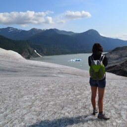 Sola in Alaska, di Ulrike Raiser – Recensione
